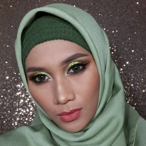 Dedicated to all of the green glittah lovah...#greenglitters #hijaabi #partymakeup #kbbvmember  #clozetteid