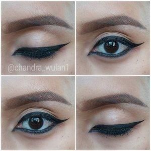 Simple arabic eye liner.. cek post sebelumnya untuk mini tutorialnya. Tag temen kamu yang suka tipe eyeliner seperti ini yaa... . . #arabicmakeup #arabiceyeliner #arabiceye #makeuptutorial #eyelinertutorial #dramaticeyeliner #makeupbyan #pangandaran #MuaPangandaran #makeupbyan #vegas_nay #maya_mia_y #mayamiamakeup #dressyourface #lookamillion #maryammaquillage #hudabeauty #neztheartist #zukreat #clozetteID #makeup #beauty #landofmakeup #theamazingworldofj #makeupbychristiaa #makeupwithammy #rfadai #wakeupandmakeup #universodamaquiagem_oficial #hudabeauty