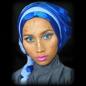 Pretending to be cracked doll......  #haloweenmakeup #haloween #haloweenidea #crackeddoll #prettyhaloween  #makeup #motd #motdindo #wakeupandmakeup #universodamaquiagem_oficial #stjima #pangandaran #fantasymakeup #fantasy #MuaPangandaran #pangandaran #clozettehalloween #clozetteID