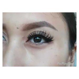 Mini tutorial : how to apply false eyelashes 💜cara memasang bulu mata palsu💜 .....#falsies #howtoapplyfalsies #makeuptutorial #eyelinertutorial #tutorialbulumatapalsu #tutorialbulumata #makeupbyan #pangandaran #MuaPangandaran #dagelanvideo #makeupbyan #vegas_nay #maya_mia_y #mayamiamakeup #dressyourface #lookamillion #maryammaquillage #hudabeauty #neztheartist #zukreat #clozetteID #makeup #beauty #landofmakeup #theamazingworldofj #makeupbychristiaa #makeupwithammy #rfadai #wakeupandmakeup #universodamaquiagem_oficial #hudabeauty