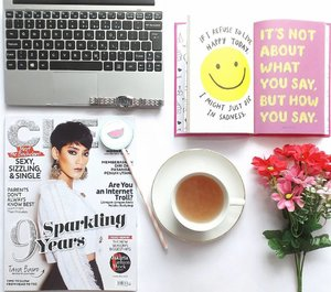"""""""What God knows about me is more important than what others think about me. Drink tea, read book & magazine. It make to be happier today ☺"""" #cleomylifemyway #88lovelife #flatlay #clozetteid"""