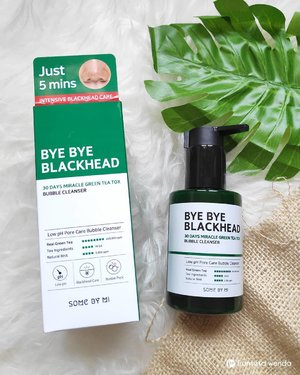 Let's get rid of blackheads without squeeze or popping the blackhead 😆 Some by Mi has launched their intensive blackhead care:Bye Bye Blackhead 30 Days Miracle Green Tea Tox Bubble Cleanser. Here is my thought: 🌿 good packaging 🌿 can check the authenticity with hidden tag apps 🌿 helps reduced blackhead 🌿 helps tighten pores 🌿 give cooling sensation when used 🌿 smells natural (mint with hint of green tea) 🌿 the bubble sensation is fun . Full review read on www.fransiskawenda.com 😊 . . #cleanser #bubblecleanser #somebymi #byebyeblackhead #skincare #skincarereview #ClozetteID #ReviewbyFW #blessed