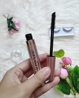 Yes the hype of this mascara already gone. 🤭 However i still like to review this mascara 😆 And here is my opinion: 👁️ Pretty packaging ✨ 👁️ No clumping 👁️ Help add volume and length 👁️ The applicator is easy to use 👁️ Easily removed by using cleansing oil 👁️ It long lasting but it smudges a little after hours, but that is still okay for me 😊 . Full review read on www.fransiskawenda.com 😆 . . #Loreal #Lorealindonesia #Mascara #Drugstoremakeup #Makeup #Makeupreview #ReviewbyFW #ClozetteID