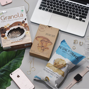 This year I challenge myself to be healthier by eating more veggies and less meat. Now thanks to @lemonilo for sending me these healthy snacks so that I don't feel guilty when snacking �