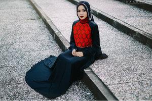 Yesterday photo shoot with Azzura models muslimah Batam.  Outfit by LUHUNG de La mode   #hijab #fashion #dress #glamour #red #elegant #models #muslimfashion