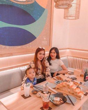 si sushi mulu *sampe bosen 😪-📸 : @bayuarnaya • 21.12-#clozetteid #aburisushi #friendship #sushiaburi