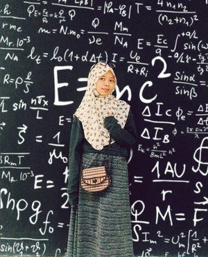 •: bahkan teori-teori ilmiah dan rumus matematika tidak lebih rumit dari hubungan kita.Perihal perasaan, yang sederhana seringkali mendadak jadi rumit. Lama-lama seperti benang kusut._______________________#clozetteid#ootd #Fashion #fashionblogger #fashionista #fashionable #fashionstyle #fashionblog #fashiongram #FashionAddict #fashiondiaries #fashionpost #fashionphotography #FashionDesigner #fashionlover #fashionmodel #fashiondesign #fashiondaily #fashionstylist #fashiongirl #fashioninspo #fashionillustration #fashions #fashioninsta #fashionart #fashionmen #fashionphotographer #fashionbloggers #madewithpicsart