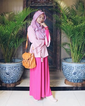 •When your headquarters lead by Sadness, wear brightly colored clothes 💕________________________#clozetteid#ootd #ootdindo#ootdhijab #ootddaily#ootdfashion