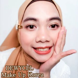 "Uwaaaaaa @dewycel_official Make Up Korea yang lagi booming nih guys 😍𝑻𝒖𝒓𝒏 𝑶𝒏 𝑪𝒓𝒆𝒂𝒎 nya bikin kulit wajah lebih putih & cerah, di tambah dengan 𝑺𝒖𝒑𝒆𝒓 𝑪𝒐𝒗𝒆𝒓 𝑪𝒖𝒔𝒉𝒊𝒐𝒏  yang bakal melengkapi Make Up mu, Yassss Se-simple itu guys, uda ga perlu ribet"" dah 😍...#indobeautygram #indobeautymakeup #indobeauty #indobeautyvlogger #challenge #indobeautyblogger #indobeautymakeup #vlog #blogger #makeupkorea #makeupcantik #makeuplife #makeuplover #makeupartist #makeupoftheday #viral #makeupbyme #tutorial #tutorialmakeupnatural #tutorialmakeup #tutorialkecantikan #beauty #kbeauty #beautybloggers #cushion #video #cushions #kulitglowing #ClozetteID #hijaberstyle #hijabers_indonesia"