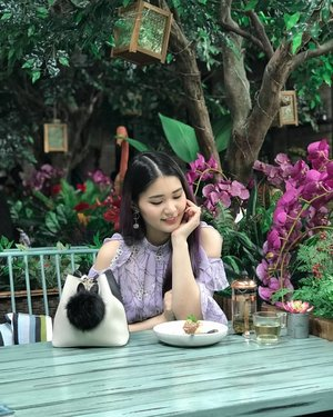 Good vibes and good food 👌 . 📸 @soyan_kim 💕 . . #NatashaJShairupdates . . . . . . . . . . . . #cafe #dessert #bblogger #instashot #instabeauty #garden #greenery #foodie #jktgo #clozetteid #ggrep #makeupmafia #prilaga #styled #좋아요 #코디룩 #셀스타그램 #셀카 #셀피
