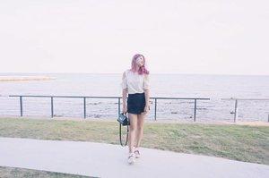 #throwback to the pink days 💕 Who miss my pink hair? 🙋 Anw, how do you like my fade-ish photo recently? Let me know what you think! 😉 . . #NatashaJS #NatashaJSOOTD #NatashaJSinKorea #VioletBrush #clozetteid