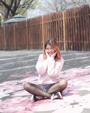 Sometimes, it's okay to take a step back and relax~....#NatashaJS #NatashaJSinKorea #NatashaJStheTourist #VioletBrush #clozetteid