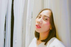 """Be your own kind of beauty"" Lipstic: The Balm Meet Matte Hughes Adoring and wardah lip cream 11 Blush: BLP sunset Highlighter: BLP Sunrise Brow: Viva"