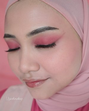 Kasih nama apa yah eyeshadownya, lagi suka bikin eyeshadow satu warna kayak gini..... let me know di kolom komentar guys !! . . #makeuphacks #makeupviral #makeupturorial #uswahmakeuptutorial #clozetteid #beautytips #beautyguru #makassarhits #beautyvlogger #uswahmakeuptutorial #beautybloggerindonesia #beautybloggers #rolloverreaction #facemist #nyxsoftmattelipcream #face2face #jefreestarcosmetics #jakartabeautyblogger #bbpowder #instagram #ceritacantik
