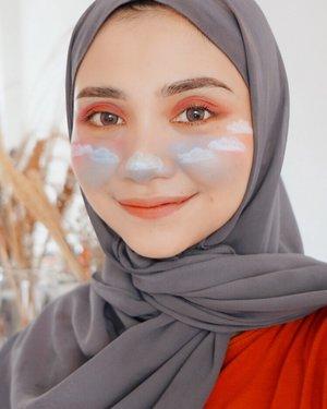 Tolong jangan ketawa 😅..@cerita.cantik , @buat.cantik #dirumahaja @bunnyneedsmakeup @tutorialmakeupkece @indobeautygram @wakeupandmakeup @tips__kecantikan @makeuptutorialindo#likeforlikes #eyeshadowtutorial #westernmakeup#instadaily #ootd #instamakeup#makeup #instamakeup #toptags @top.tags #cosmetic #cosmetics #likes  #foundation #beauty #beautyantusiast #cccushion #beautybloggerindonesia #makassarinfo #contentcreator #Uswahmakeuptutorial  #makeuppemula #makeupaddict #makepgirlz #beautycontentcreator#likes #likeforfollow #eyebrowtutorial #makassarhits  #clozetteid #beautycontentcreatormakassar