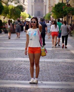 Still remember the first day strolling around Budapest ❤️ I miss this city already 😍#blogger #travelgram #instatravel #summer #instapic #budapest #hungary #holiday #cathrinezieholiday #indonesianlivinginbangkok #clozetteid #starclozetter #ootd #ootdindo #lookbook #like4likes