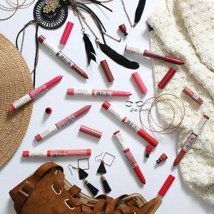 Kalo travelling atau bawa makeup ke kantor suka bete nggak sih mau bawa shade lipstick lebih dari 1 tapi makeup pouch penuh. Nahh ada lip crayon baru nih dari @maybelline , punya kemasan slim bisa masuk pouch makeup bahkan tempat pensil.Reviewnya langsung cuss ke blog...Cek di bio yaa link nya 😘😘 https://www.arifanuryani.com/2020/03/review-super-stay-ink-crayon-maybelline.html#clozetteid #beautiesquad #indobeautysquad
