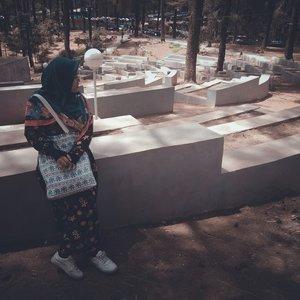 Just look around.Semangat 💪....#blogger#bloggerstyle #bloggerindonesia #nature #malino#exploremakassar #exploremalino #exploresulsel#explorewithevhy #ootd #clozetteid