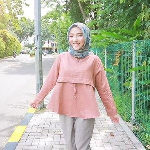 Haii! Kali ini aku pingin tunjukin #tutorial /cara pakai baju korea dari @lightandbright_stuff 🍂 •• Ohiya ada hadiah ke korea gratis bulan NOV buat kalian yang belanja di @lightandbright_stuff ✈️🎎 •• go get yours at @lightandbright_stuff (LINE: lightandbright) 🎀💕 . . . . #OOTDayuindriati #ayuindriativideos #clozette #clozetteid #hijab #hijabfashion #hijabstyle #video #ayuindriati