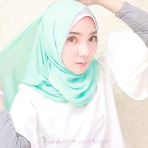 Hi! Di video ini aku memakai.. Hijab Loly Instant Premium Shawl in Blue Mint from @pasteliahijab @pasteliahijab @pasteliahijab 🐬💕💦 ....#hijabtutorialbyayuindriati #ayuindriativideos #endorse #hijab #pastelia #pasteliahijab #hijabtutorial #hijabstyle #hijabfashion #clozette #clozetteid
