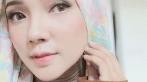 Nemu video ini belum pernah aku upload, jadi aku upload aja yaa 😋💕 •• Btw, disini siapa yang sudah subscribe Youtube channel aku?? 🙋🏻🙋🏻 Like & Comment! Kirim bukti screenshotnya ke DM aku~ aku akan promote kalian beberapa 😚💕 . . . . #hijabtutorialbyayuindriati #ayuindriativideos #hijab #hijabtutorial #hijabfashion #hijabstyle #clozette #clozetteid #ayuindriati