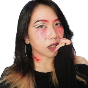 I never received my letter to Hogwarts, so I'm moving to Forks to live with the Cullens. . Ih ada merah-merah di leher..🙊🙈 . #STUDIOMAKEUPHalloweenContest #ClozetteID #RedEyebrows #BeautyBlogger #HalloweenMakeup #VampireLook