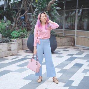 All time pose (Ala-ala menyentuh rambut) 🤣 __________________________________ Wearing Latte Blue Amy Cullotes Crepe (Amazara) & Cleo Block Heels Beige (Berrybenka Label)  Get them only at @berrybenka! Ada EXTRA 15% OFF tanpa minimum dengan masukkan kode voucher ➖marisaxbb15➖ saat check out.  Yeay! Follow @berrybenka sekarang! __________________________________ 📸: @japobs✨  #BProject2017 #BerrybenkaLook  #bbprojectxbblabel#bprojectxamazara  #berrybenkaxamazara