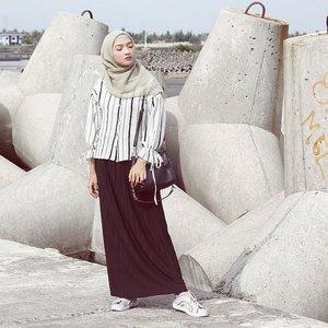 Good M💙💙D back to hubby's hometown Wearing @adabutistore..#hotd #hijabootd #hijabpost #hijabootdindo #hijabstyle #style #stylista #stylegram #styleinspo #styleoftheday #stylebyme #stylelook #stylefashion #hijabfashion #fashioninspo #fashiontrend #fashiondaily #instafashion #whatiwore #whatiweartoday #OOTD #clozetteID #adawoman #explorekulonprogo #kulonprogo