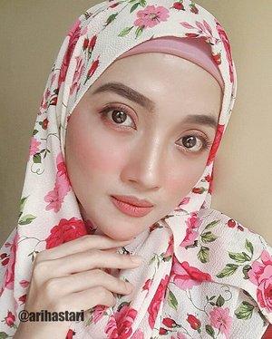 🌹Pinkish Red Rose🌹 // Wearing instant hijab from @momima_hijab..#ClozetteID #wakeupandmakeup #wakeupmood #MOTD #makeup #makeupjunkie #makeupbyme #makeupaddiction #makeupideas #makeuplove #makeupfeed #HOTD #hijaboftheday #hijabdiaries #hijabpost #hijablife #hijabchic #hijabkeren #hijabsimple #hijabinstan