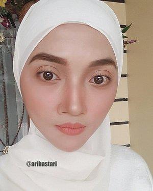 Going simple with nude makeup, all by @wardahbeauty(Baru nyadar lupa pake eyeliner, mata jadi keliatan bulet dan jendol bgt. Tp gmn dong! Aku tuh tipe yg gak suka pake kacamata hitam, kecuali kalo emg silau yaaa). Trs ini sama bojo mau diajak jalan kemana?..#ClozetteID #makeupinspo #makeupideas #makeuplove #makeupaddict #eyebrows #contouring #baking #blushon #lipstick #mattelipstick #shawl #hijab #hijabstyle #hijabgirl #hijabmodesty #hijabmodern #hijaboftheday