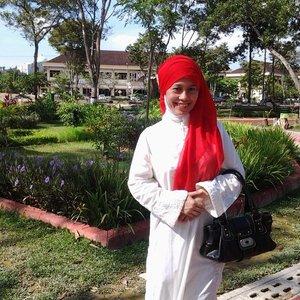 Ini ekspresi hijabku di #GoDiscover Hijab Challenge #ItsSoYou @clozetteid . . .  Yuk ikutandan menangkan paket perjalanan Umroh gratis! Follow IG & Twitter @simPATI untuk peluang menang lebih banyak.  #ClozetteID #HijabFashion #HijabStyle #Hijaboftheday #Hijaboftheworld #HijabinStyle #Hijabers #HijabIndonesia #Hijabcontest