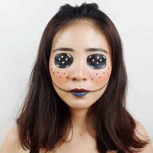 DAY 3 for #31daysofhalloween.Hello, I am CORALINE!.Inspired @kevinrupard.....#luellaartistry #luellamakeup #clozzetebeauty #clozetteid #makeupbarenginivindy #kipaart #halloween2019 #halloweenideas2019