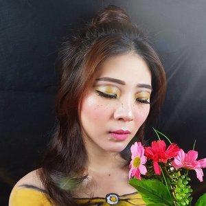 Love doesn't have to be perfect, It just needs to be true - Belle, Beauty & The Beast.Hayoo jangan bosen liat makeup look ini yak! Hahaha.. Tutorial will be coming soon 💛....#disneyprincessmakeup #bellemakeup #beautyandthebeastmakeup #facechart #artsymakeup #mnyitlook#luellamakeup #tampilcantik #indobeautygram #bvloggerid #cchannelbeautyid #beautiesquad #clozetteid #clozzetebeauty #bloggerindonesia  #beautilosophy  #indobeautysquad #beautygoersid  #beautybloggerindonesia #ragamkecantikan  #beautybloggerbandung #setterspace #bloggerbandung #muatribeid #kbbvmember #bloggermafia #bunnyneedsmakeup