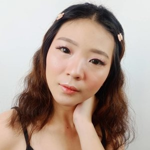 Im just regular a person who believes life is simple an i like a simple life . Softlens @x2softlens - Hazel . . . . . . . #luellaartistry  #koreamakeup #x2softlens #buktiinx2ramerame #koreanlookmakeup #koreamakeuptutorial #naturalmakeup #kpopmakeup #clozzetebeauty #Clozetteid #beautyvlogger #beautybloggerindonesia #beautybloggerbandung #beautyvloggerbandung #bandungbeautyblogger #bandungbeautyvlogger