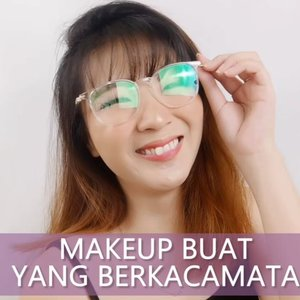 Ini Tips makeup buat orang yang pake kacamata.. Tonton sampe habis guys! 😁 #luellatutorial.Product details@studiotropik Priming Water@catrice.cosmetics Primer@youmakeups_id Cushion + Brow@lorealindonesia@getthelookid Concealer@altheakorea Powder@artistry_indonesia Eyeshadow@makeoverid Eyeliner@tasyafarasya The Needs Palette.Lashes @loreca.lashes...#luellaartistry #cchannelfellas #ClozetteID #dailymakeup #naturalmakeup #koreanmakeup