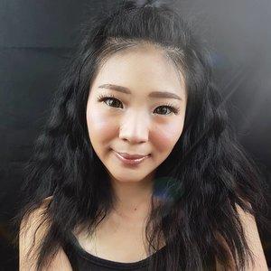 Alert New Korean Trend, You need to know is Cloudless Skin! 💕 .Kemaren kan si glass skin tuh yg lagi happening, sekarang giliran si Cloudless Skin yang naik daun..Aku udah bikin makeup tutorial nya di yutub.. Go watching it NOW! 😝 https://youtu.be/ljflEy6ao7o.Jangan lupa like, comment, subscribe, and share to your friend biar temen kalian ikutan kekinian juga! 👌....#luellamakeup #tampilcantik #cloudlessskinmakeup #koreanmakeup #100daysmakeupchallenge #indobeautygram #bvloggerid #beautiesquad #clozetteid #clozzetebeauty #bloggerindonesia #bloggerindo #beautilosophy #indobeautysquad #beautybloggerindonesia #bvloggerid #beautybloggerbandung #setterspace #bloggerbandung #muabandung #muatribeid #100daysofmakeup #beautymember #bloggermafia #bunnyneedsmakeup #kbbvfeatured #ragamkecantikan