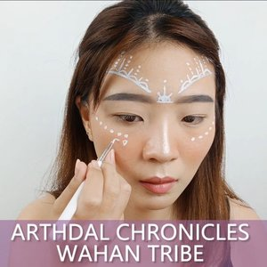 Yuhuuu, tutorial simple facepainting nih! . Btw ga sabar liat Tanya - Kim Ji Won jadi cantik di Arhdal Chronicles Part 3 ya.. Hahaha.. Dari Part 1 sampe 2 mostly wajah teraniaya semua WKWKWKWK... . Yang nonton K-Drama AC pasti tau deh Tanya siapa 😛 Yg ga tau googling 😂😂 . . 🎶 The Poem of Destiny - Cover by Taiyo 💻 Corel Video Studio . . . . . . . . #luellaartistry #luellamakeup  #wahantribe #kimjiwonmakeup  #arthdalchroniclesmakeup #arthdalchronicles #colorfulmakeup #artsymakeup #makeuppemula #makeupremaja #makeupnatural #makeuptransformation #tutorialmakeup #beautyvlogger #beautybloggerindonesia #beautybloggerbandung #beautyvloggerbandung #bandungbeautyblogger #bandungbeautyvlogger #clozzetebeauty  #Clozetteid
