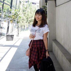 Its ok to be silly ❤.Btw, kamu biasa nya klo foto itu lebih suka angle mana sih? Tim angle kiri atau Tim angle kanan? *random question 😂😂...📷 @robby.goh📍 @juji.coffee......#luellaartistry #luellaootd #ootdblogger #inspirasiootd #ootdjapan #ootdjepang #ootdkorea #koreanfashionstyle #fashionblogger #japanfashionstyle #beautyvlogger #beautybloggerindonesia #beautybloggerbandung #beautyvloggerbandung #bandungbeautyblogger #bandungbeautyvlogger #clozzetebeauty  #Clozetteid