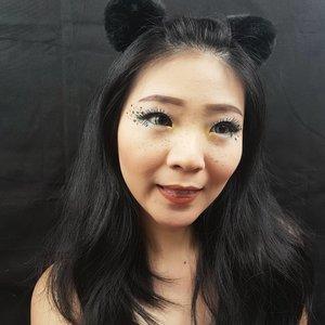 Love yourself as much as you want to be loved!.......#luellamakeup #tampilcantik #frecklesmakeup #100daysmakeupchallenge #indobeautygram #bvloggerid #beautiesquad #clozetteid #clozzetebeauty #bloggerindonesia #bloggerindo #beautilosophy #indobeautysquad #beautybloggerindonesia #bvloggerid #beautybloggerbandung #setterspace #bloggerbandung #muabandung #muatribeid #100daysofmakeup #beautymember #bloggermafia #bunnyneedsmakeup #kbbvfeatured #ragamkecantikan