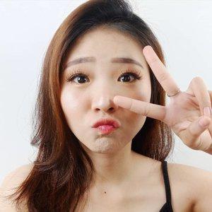 SENIN serasa hari KAMIS, karena lusa udah tanggal merah! Yippie ❤.....#naturalmakeup #koreamakeup #facechart #artsymakeup #mnyitlook#luellamakeup #tampilcantik #indobeautygram #bvloggerid #cchannelbeautyid #beautiesquad #clozetteid #clozzetebeauty #bloggerindonesia  #beautilosophy  #indobeautysquad #beautybloggerindonesia #ragamkecantikan