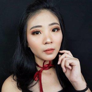 "Ampuuun, serius aku lagi tergila"" sama liquid lipstick dari @aleysiabeauty 🙈 Dari kmrn filming dan bikin look pake lipen ini wkwkwkwk...Yg aku pake sekarang yaitu shade ALEDAIT.. Suka banget sama warna, tekstur dan hasil akhir nya matte finish 🧡 .....#koreanmakeup #koreamakeuptutorial#luellamakeup #tampilcantik #indobeautygram #bvloggerid #cchannelbeautyid #beautiesquad #clozetteid #clozzetebeauty #bloggerindonesia #bloggerindo #beautilosophy  #indobeautysquad #beautygoersid  #beautybloggerindonesia #ragamkecantikan  #beautybloggerbandung #setterspace #bloggerbandung #muatribeid #kbbvmember #bloggermafia #bunnyneedsmakeup #kbbvfeatured"