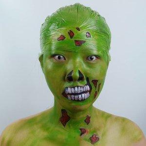 DAY 15 for #31daysofhalloween..Inspired Infected Zombie -  ijo ijo lumutan 😂😂....#luellaartistry #luellamakeup  #zombiemakeup #clozzetebeauty #clozetteid #halloween2019 #halloweenideas2019