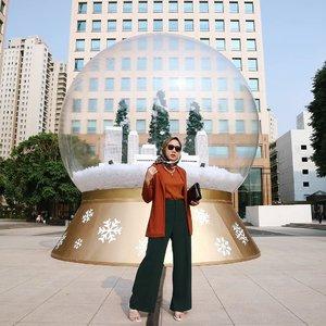 It's Fridaaaaaay! Yass finally upload look ini after terinspirasi dari postingan kak @ayladimitri ✨🙌.Formal look for holiday season why not! Nyobain seharian jalan pake aegean sandals @local.id x @nabilahatifa parah nyaman banget solnya luv banget deh ❤.......#lookbookindonesia #ootdindo #shoxsquad #clozetteid #theshonet #theshonetinsiders #hijabootdindo #fashionblogger #fashionbloggerindonesia #fashioninfluencer #jktspot #jktgo #explorejkt