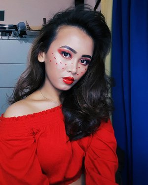 RED CHERRY  FACE  @pixycosmetics Make It Glow Cushion 03 Medium Beige @catrice.cosmetics Sun Glow Bronzer @makeoverid Riche Glow Highlighter  EYES @thebalmid Appetite Pallete @colourpopcosmetics Yes Please @mobcosmetic Girl Next Door Faux Lashes  LIPS @nyxcosmetics @nyxcosmetics_indonesia Intense Butter Gloss Apple Crisp . . . . . . . . . . . . . #makeup #makeupvideos #makeupvideo #dailymakeup #makeuproutine #beautyguru #mua #makeupartist #tutorial #indobeautygram #tutorialmakeup #ivgbeauty #indbeauty #clozetteID #indobeautygram #tutorialmakeup #ivgbeauty #beautyvlogger #beautyenthusiast #indobeautyblogger #indobeautyvlogger #makeuptutorial #makeuplook #wakeupandmakeup #indovidgram #bunnyneedsmakeup #beautybloggerindonesia #sonyamiro  @indobeautygram @beautybloggerindonesia @sonya_miro