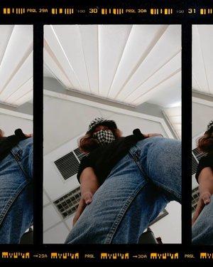 [ soon : di rumah aja ]  Bucket hat & mask from @avgal_collection  #wakeupandmakeup #makeuptutorial #glowingmakeup #ClozetteID #indobeautysquad #ragamkecantikan #beautybloggerindonesia #tampilcantik #ABG #asianbabygirl #egirl #tezzaapp #newnormal #ootd