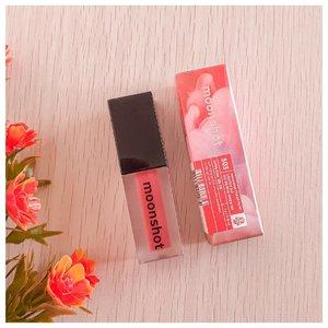 피치! 🍑 . . . . #moonshot #beauty #makeup #peach #bblogger #indobeautygram #instabeauty #뷰티 #뷰티스타그램 #피치 #saycintyablog #ClozetteID #l4l #surabayabeautyblogger #influencersurabaya #flatlay . .