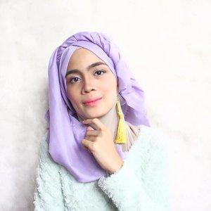 Ketika bahan hijab adem dan enak banget buat di atur... ☺️☺️☺️.Pashmine by @gnrcollect 💞..#clozetteid #starclozetter #beautynesiamember #hijabers #hijab #pastelhijab #blogger #bloggerceria