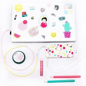 ✅ Lap top ✅ Ear phone ✅ HP ✅ Slime  ok complete!! Time to work, dude 😎 . . #bloggerceria #clozetteid #ggrep #flatlay #blogger #beautynesiamember #88lovelife