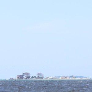 I see the sea 😍..#pulauseribu #sea #beach #minimalist #clozetteid #ggrep