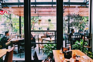 Chill ☕️🍲 • • #cafelife #restaurants #vsco #brunch #priime #eyeemoninstagram #chillin #blogger #clozetteid #sociollablogger